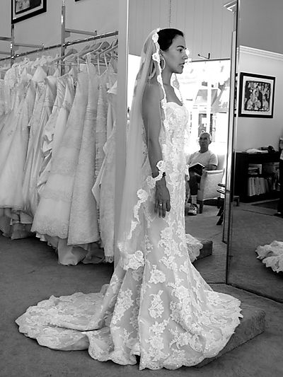 Somewhere In The Middle Look Out Vera Wang,Beach Ceremony Short Beach Wedding Dresses