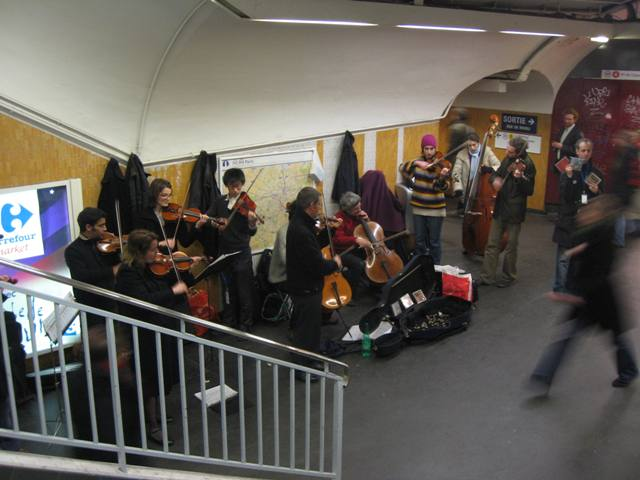 Musicians in Paris Metro