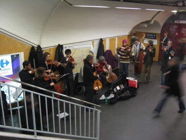 Musicians in Paris Metro