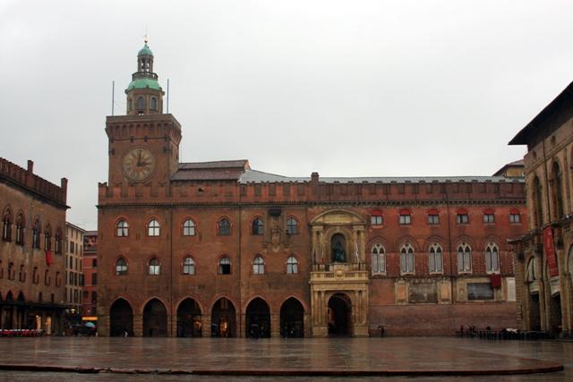 Centre Square Bologna
