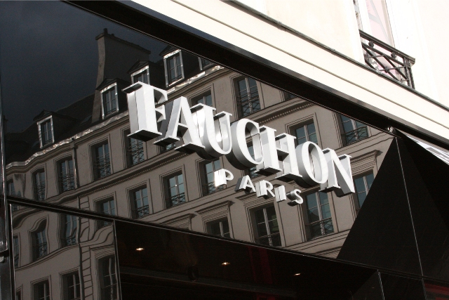 Fachon sign