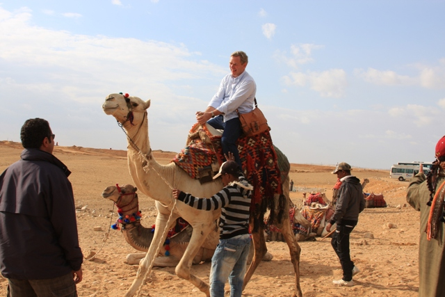 R mounting his Camel