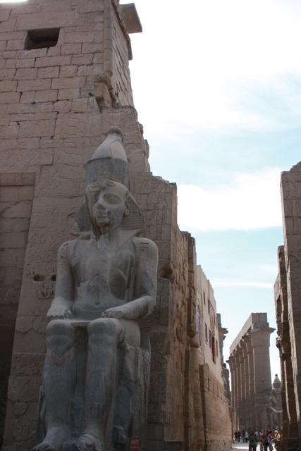 Statue Entrance Luxor