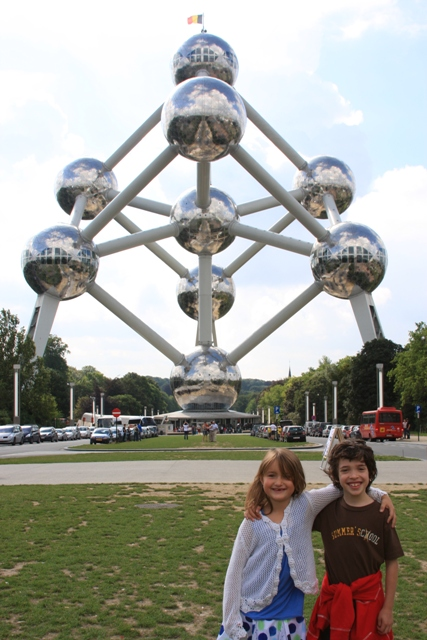 J & C at the Atomium