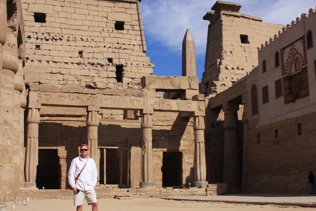 R at Luxor