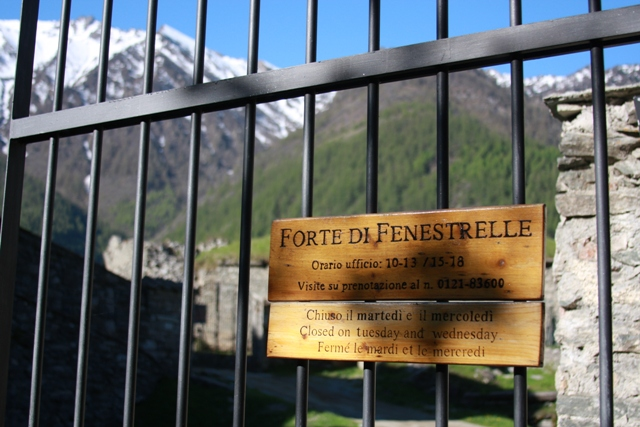 Fenestrelle Sign
