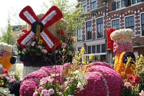 Floats_in_haarlem