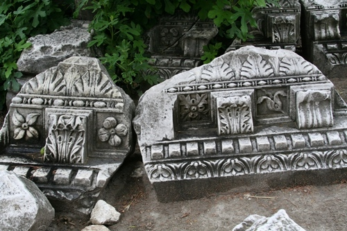 Ruins_from_theatre_antique_2