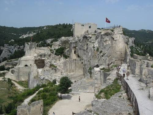 Hiking_up_les_baux
