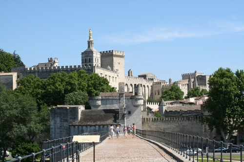 Popes_palace_in_avignon