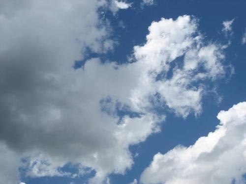 Dark_cloud_looming